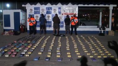 Detienen a tres en una lancha con cocaína en Islas del Rosario