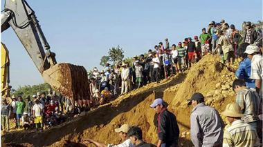 Avalancha deja 91 muertos en Birmania