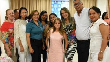 75 docentes distritales se certifican en inglés para enseñanza primaria