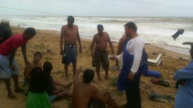 Lancha que iba a Aruba quedó a la deriva: rescatan a 8 extranjeros y a un colombiano