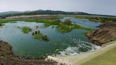 Lago El Cisne comienza a recibir agua tratada del arroyo León