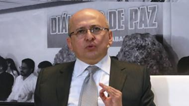 Fiscalía cita a General Palomino y a otros altos oficiales por caso de 'chuzadas' a periodistas