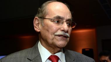 Senador Horacio Serpa respalda al general Rodolfo Palomino