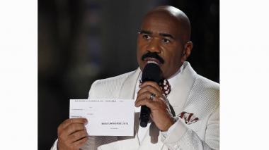 ¿Quién es Steve Harvey, el presentador que le dio por equivocación la corona de Miss Universo a Colombia?
