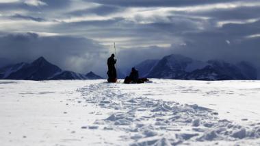Exploran riesgo de colapso en la mayor plataforma de hielo del mundo