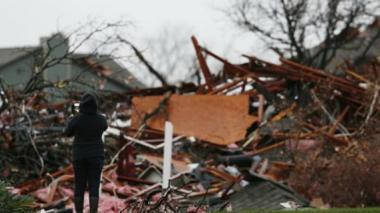 Tormenta sigue activa tras tornados e inundaciones en EEUU