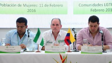 El alcalde de Valledupar, Augusto Ramírez; el gobernador Franco Ovalle y el senador José Gnecco.