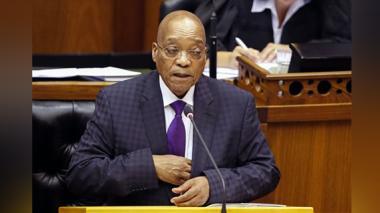 Jacob Zuma responde a preguntas durante una sesión en el Parlamento, Ciudad del Cabo,Sudáfrica.