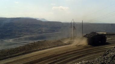 """Anglo American anuncia salida del Cerrejón tras declarar el carbón un activo """"no principal"""""""