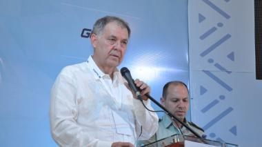 Procuraduría cita al general (r) Naranjo y a senador Andrade por 'Comunidad del Anillo'