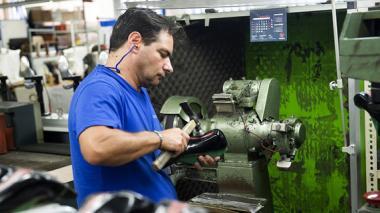 Producción industrial aumenta 2,1% en la eurozona, su mayor repunte desde 2009