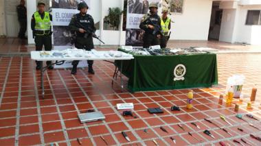 Incautan dinero, drogas, celulares y armas en cárceles de la costa