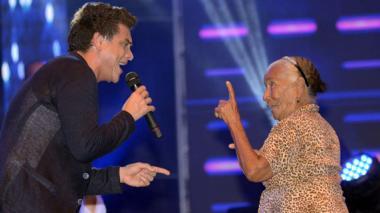 Ana Muñiz, la abuela de 90 años que cantó y bailó con Silvestre Dangond