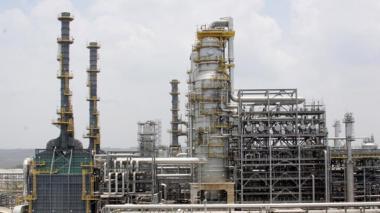 Reficar exportó su primera producción de coque de petróleo