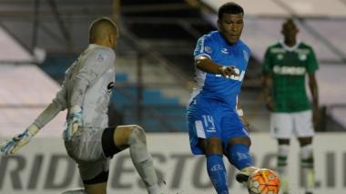 Gol de Roger Martínez no evitó la derrota 2-1 de Racing ante Aldosivi