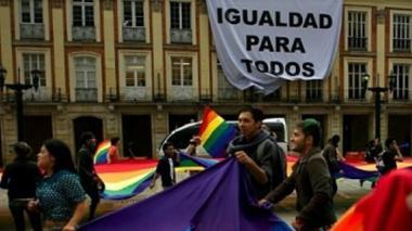 Corte aplaza el fallo sobre matrimonio igualitario