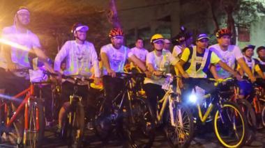 Distrito realiza primer bicipaseo nocturno del año