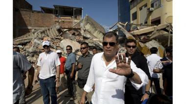 Presidente de Ecuador anuncia medidas económicas por terremoto