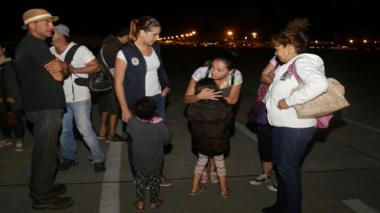 Colombia repatría 5 fallecidos y 34 sobrevivientes de terremoto de Ecuador