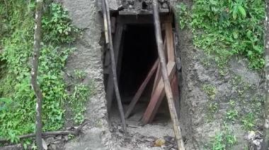 Oro extraído por mineros ilegales pasa por primera vez al Estado colombiano