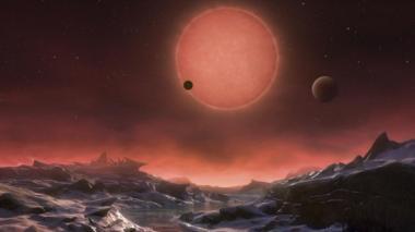 Fotografía facilitada por la ESO de una comparación entre el Sol y la estrella enana ultrafría TRAPPIST-1.