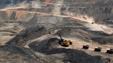 "Gobierno Nacional debe adoptar ""política diferencial"" frente a minería, dicen expertos"