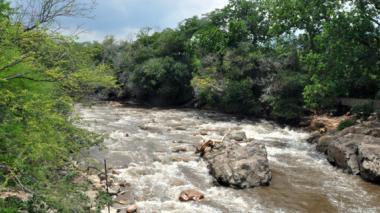 Crece el río Guatapurí y no hay organismos de Socorro