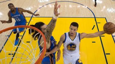 Curry vuelve a brillar y los Warriors igualan la serie ante Thunder