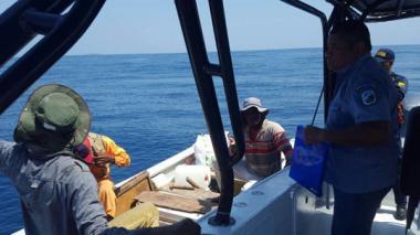 Tres detenidos por pescar tiburones, pargos y otras especies en área protegida de islas del Rosario