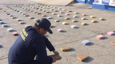 Armada incauta 62kg de cocaína y 63 de marihuana que eran transportados en lancha en islas del Rosario