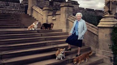 A 63 años de recibir su corona, Isabel II es portada de 'Vanity Fair'