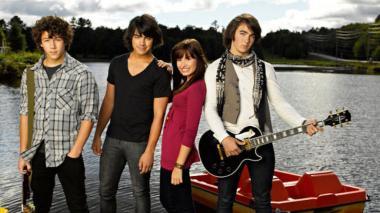 Nick Jonas, Joe Jonas, Demi Lovato y Kevin Jonas, protagonistas de la historia.