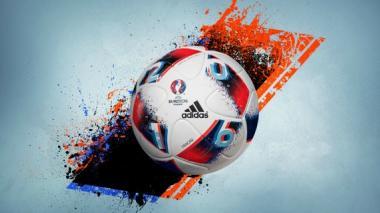 Adidas presenta el nuevo balón oficial de la fase eliminatoria de la Eurocopa