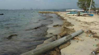 Medio millón de dólares deberá pagar buque que provocó contaminación en bahía Cartagena