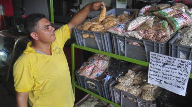 Sesenta camiones por día están ingresando a Granabastos