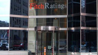 Fitch Ratings redujo calificación de Colombia de estable a negativa