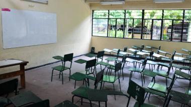 Salón de clases vacío.