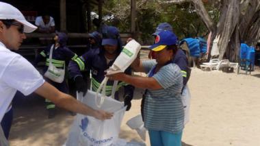 Sacaron una tonelada de basuras en Playa Blanca, isla Barú