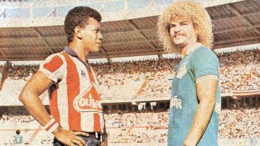 Didí Álex Valderrama, en sus días de jugador de Junior, junto a Carlos Valderrama, cuando era volante del Cali.