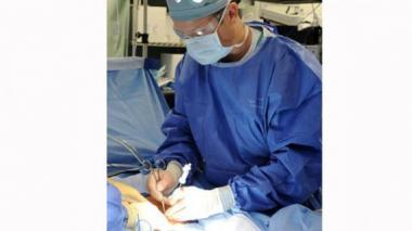 Fiscalía abre investigación por fraude de títulos de cirujanos convalidados en el país