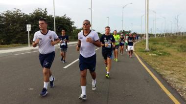 Barranquilleros 'la sudaron' en la carrera 'Soy marino'