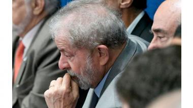 Lula, acorralado por la Justicia, vuelve a la oposición tras trece años