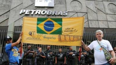 Protesta hecha a finales del año pasado, a las afueras del edificio de Petrobras.