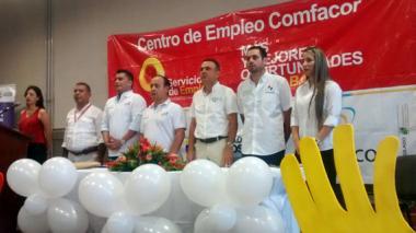 Autoridades en la instalación de 40 mil primeros empleos.
