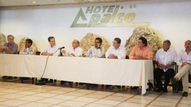 Equipos negociadores del Gobierno y las Farc durante su reunión en La Habana.