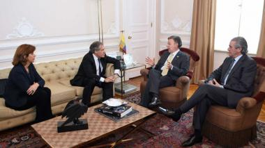 """Almagro invita a los dirigentes políticos a """"alcanzar una solución pronta"""" para los acuerdos"""