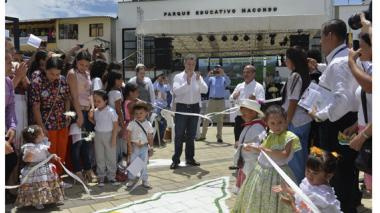 """Tres municipios más quedan libres de minas"""