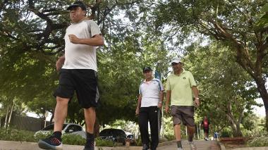 El parque El golf es uno de los más frecuentados por los barranquilleros para caminar.