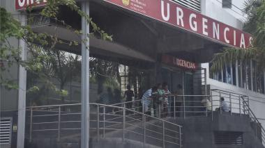 Dentro de un microbús, en medio de atraco, asesinan a estudiante universitario