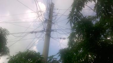 Reportan corto de líneas eléctricas en Soledad